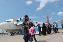 DAVUL ZURNA - Kuveyt'ten Samsun Havalimanı'na İlk Uçak İndi