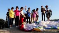 SICAK HAVA BALONU - Pamukkale'yi Havadan Görmek İçin Tatillerini Uzatıyorlar