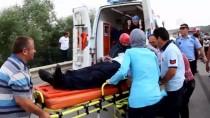 MEHMET UZUN - Samsun'da Cip İle Hafif Ticari Araç Çarpıştı Açıklaması 6 Yaralı