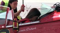AKROBASİ PİLOTU - Akrobasinin Türk Kadın Pilotu Hayalini Gerçekleştiriyor