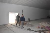 EDREMIT BELEDIYESI - Ayhan Şahenk Kültür Merkezi Yenileniyor
