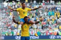 NEYMAR - Brezilya adını çeyrek finale yazdırdı