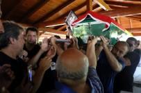 OSMAN BUDAK - Dominik'te Öldürülen Kameraman Alper Baycın Gözyaşları Arasında Toprağa Verildi