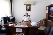 FETÖ'den Gözaltına Alınan Kaymakamı Savunan Müdür, İHA Muhabirine Saldırdı