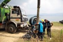 SAPANCA GÖLÜ - Göle Atık Suların Ulaşmasını Engelleyen Kolektörden 40 Torba Çöp Çıkarıldı