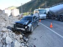 YUSUF İSLAM - Gümüşhane'de Trafik Kazası Açıklaması 3'Ü Çocuk 7 Yaralı
