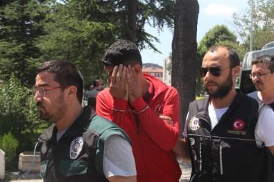 Öğrenci Servis Şoförü 17 Kilo Esrar İle Yakalandı