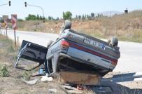 ŞEKER FABRİKASI - Takla Atan Otomobildeki 4 Kişilik Aile Ölümden Döndü