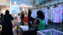 Zeytin Dalı Harekatı - Türkiye'den Afrinli Ailelere Kıyafet Yardımı