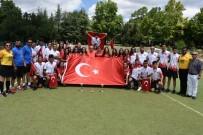 AVRUPA ÜLKELERİ - Türkiye'ye Hokeyde Çifte Gurur