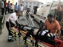 AHMET ÜNAL - Van'da Trafik Kazası Açıklaması 4 Yaralı