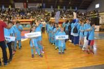 BALIKESİR VALİLİĞİ - Yaz Okulu Sporcularına Malzeme Dağıtımı Yapıldı
