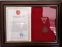 RESIM SERGISI - Yeşilkent Semt Konağına Bronz Madalya