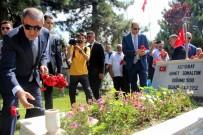 MUSTAFA ELİTAŞ - Bakan Akar Kayseri'de Hava Şehitliğini Ziyaret Etti