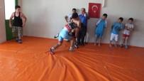 HÜSEYIN ÖNER - Balıkesir'de Yaz Spor Okulları Çocukları Sporla Buluşturdu