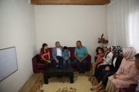 YUNUS EMRE - Başkan Çelik, Genç KAYMEK'te Eğitim Gören Öğrencilerin Ailelerini Ziyaret Etti