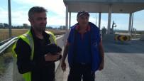 Beton Bariyerlere Sıkışan Yavru Köpekleri AFAD Kurtardı