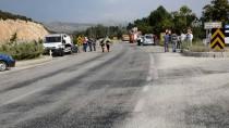 ACIL SERVIS - Burdur'da İki Otomobil Çarpıştı Açıklaması 7 Yaralı
