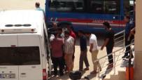CUMHURIYET BAŞSAVCıLıĞı - Denizde Kurtarılan Göçmenler Mersin İl Göç İdaresi Müdürlüğüne Gönderildi