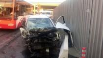 İzmir'de Otomobil Mobilya Mağazasına Çarptı Açıklaması 4 Yaralı