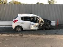 İzmir'de Trafik Kazası Açıklaması 4 Yaralı