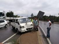 FARABI - Kocaeli'de Zincirleme Trafik Kazası Açıklaması 3 Yaralı