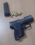 RUHSATSIZ SİLAH - Kuşadası'nda Şüpheli Bir Kişi Silah Ve Mermiyle Yakalandı