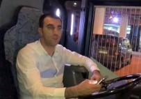 YOLCU OTOBÜSÜ - Otomobil Çarpıp Kaçtı, Kamyon Çarpıp Ölümüne Neden Oldu