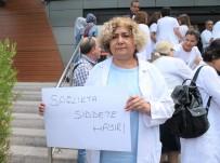 SAĞLIK ÇALIŞANLARI - Sağlık Çalışanlarından 'Sağlıkta Şiddet Sona Ersin' Açıklaması