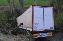 DİREKSİYON - Tır Kazası 1 Yaralı