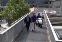 Üst Geçidi Köprü Gibi Kullanıyorlar