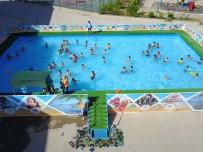 MÜLTECI - Yüzme Kursuna 3 Bin Çocuk Başvurdu