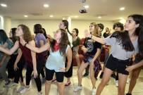 İKLİM DEĞİŞİKLİĞİ - 16 Farklı Ülkeden 70 Genç Ataşehir'de Buluştu