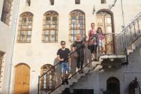 RESTORASYON - Definecilerin Harabeye Çevirdiği Evi Butik Otel Yaptı