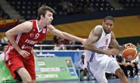 BASKETBOL KULÜBÜ - Milli Basketbolcu Türkyılmaz, Sakarya Büyükşehir Basket'te