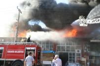 YANGIN HELİKOPTERİ - Mobilya Atölyesinde Çıkan Yangın Söndürülmeye Çalışılıyor