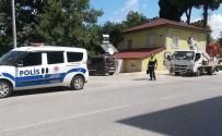 DİREKSİYON - Motosiklet Elektrik Panosuna Çarptı Açıklaması 2 Yaralı