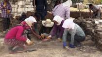 RESTORASYON - Sıcak Hava Antik Kente Çadır Kurdurdu