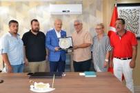 MÜBADELE - Ayvalıklı Esnaf Ve Sanatkârlardan BŞB Kafaoğlu'na Teşekkür Plaketi