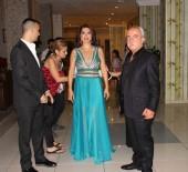 EBRU YAŞAR - Ebru Yaşar Sevilen Şarkılarını Seslendirdi