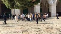 SIYONIST  - Filistin Bayrağı Açan Çocuk Gözaltına Alındı