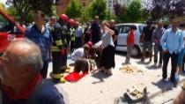 POLİS - İtfaiye Eri Önce Sıkıştığı Yerden Kurtardı, Sonra Güneşten Korudu