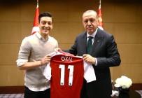 PROPAGANDA - Mesut Özil'den Alkışlık Açıklama