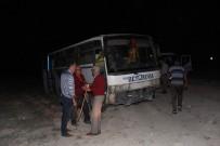 Midibüs Şoförü Direksiyon Hakimiyetini Kaybetti Açıklaması 1 Ölü, 14 Yaralı