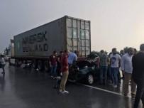 KUZUCULU - Otomobil Tıra Çarptı Açıklaması 3 Ölü, 1 Yaralı