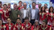 ZİHİNSEL ENGELLİLER - Özel Sporcular Yurda Döndü