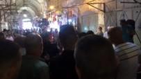 POLİS KORUMASI - Yahudi Fanatikler Filistinli Esnafa Saldırdı