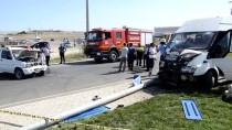 Karaman'da İşçi Servisi İle Otomobil Çarpıştı Açıklaması 8 Yaralı