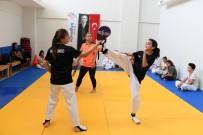 KIZ ÖĞRENCİLER - KONSEM Yaz Okulu'nda Teakwondo Kursu