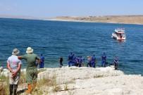 KURBAĞA - Serinlemek İçin Girdiği Baraj Gölünde Kaybolan Gencin Cesedi Bulundu